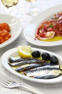 entrées, tapas, sardines